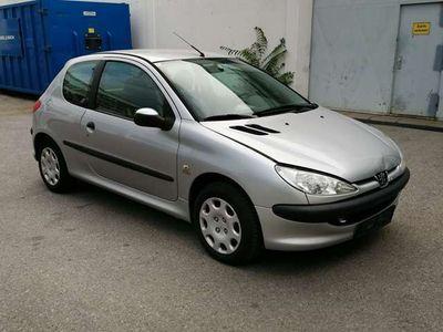 gebraucht Peugeot 206 1,1 Benzin 60 ps