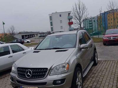gebraucht Mercedes 350 M-KlasseBenziner mit Amerikanisches SUV / Geländewagen