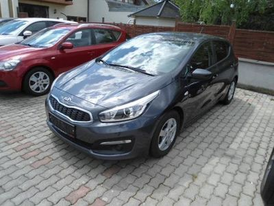 gebraucht Kia cee'd 1,6 CRDi Team Austria Edition Limousine,