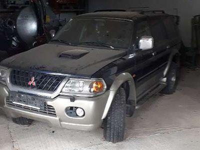used Mitsubishi Pajero SUV / Geländewagen,