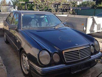 usata Mercedes E300 TD Limousine,