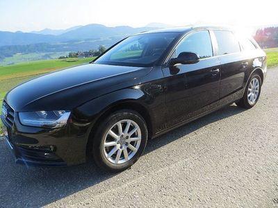 gebraucht Audi A4 Avant 2,0 TDI quattro Attraction, PDC, SH, Tempom