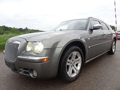 gebraucht Chrysler 300C 3,0 V6 CRD Executive Aut. Kombi / Family Van,