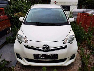 gebraucht Toyota Verso-S 1,4 D-4D90 Active DPF