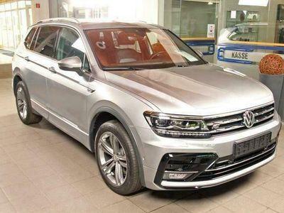 gebraucht VW Tiguan Allspace 2.0 TDI DSG 4-Motion R-LINE, AHK, Dyna...