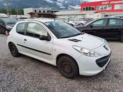 gebraucht Peugeot 206+ Junior 1,1 Klein-/ Kompaktwagen