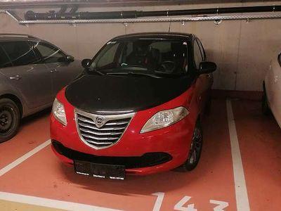 gebraucht Lancia Ypsilon Y /1.2 Black/Red Edition Klein-/ Kompaktwagen