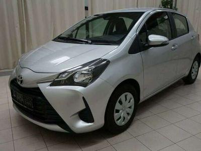 gebraucht Toyota Yaris 1,0 VVT-i Young*Voll Fahrbereit*9.975km*