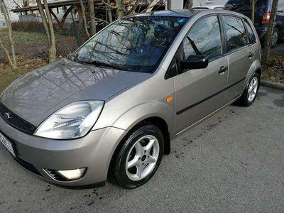 gebraucht Ford Fiesta 1,4tdci Klein-/ Kompaktwagen