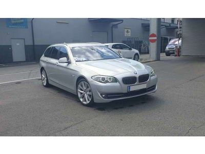 gebraucht BMW 530 5er-Reihe 5er-Reihe xDrive Touring Aut. Kombi