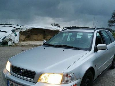usata Volvo V40 1.9 td Kombi / Family Van,