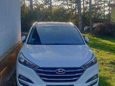 gebraucht Hyundai Tucson Tucson2,0 CRDI 4WD Go SUV / Geländewagen SUV / Geländewagen