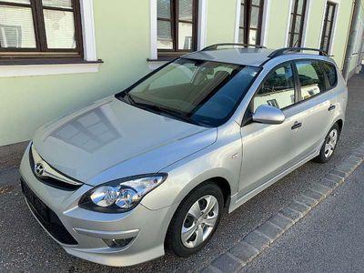 gebraucht Hyundai i30 CW 1,4 CVVT Europe Kombi / Family Van