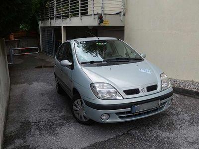 used Renault Scénic 1.6 16V RT Klein-/ Kompaktwagen,