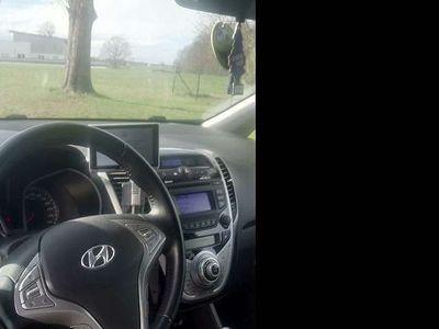 gebraucht Hyundai ix20 1,4 CRDi GO Kombi / Family Van,