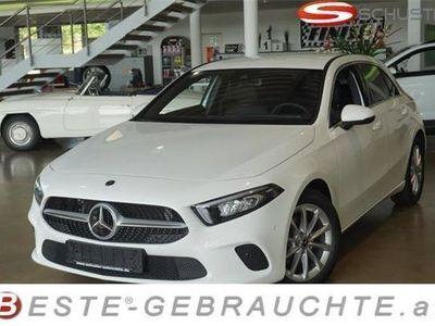 gebraucht Mercedes A180 A-Klassed 7G-DCT LED Navi Keyless Tempom... Limousine,