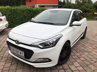 gebraucht Hyundai i20 1.25 Premium Klein-/ Kompaktwagen,