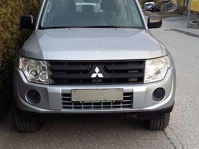 gebraucht Mitsubishi Pajero PajeroMT DI-D 3.2 Inform SUV / Geländewagen
