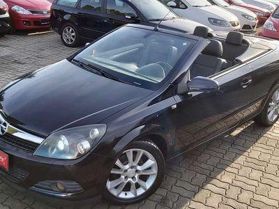 gebraucht Opel Astra Cabriolet Twin Top Edition 1,6 Twinport * Winterhit * / Roadster
