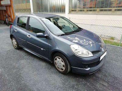 gebraucht Renault Clio III Clio Exception 1,2 16VR Klein-/ Kompaktwagen