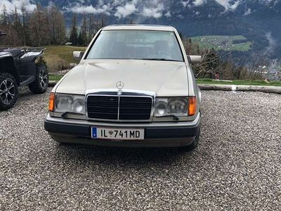 used Mercedes E300 E-Klasse4Matic Limousine,