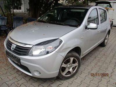 gebraucht Dacia Sandero 1,2 16V Klein-/ Kompaktwagen