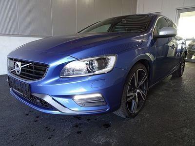 gebraucht Volvo V60 D3 Momentum R-Design Geartronic Kombi / Family Van,