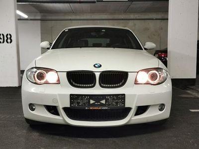 gebraucht BMW 120 120 d E81 M-Paket ab Werk