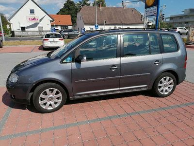 gebraucht VW Touran 1.9TDi DSG Kombi / Family Van