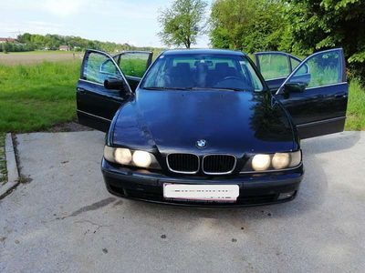 gebraucht BMW 520 5er-Reihe i Limousine,
