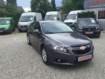 gebraucht Chevrolet Cruze 1,7 TD ECO LT + Anhängerkupplung Klein-/ Kompaktwagen