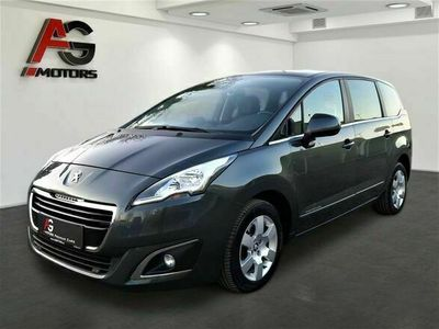 gebraucht Peugeot 5008 1,6 BlueHDi 120 EAT6 S&S Style Aut./Navi/PDC/SHZ/AHK/Panorama/1.Besitz Kombi / Family Van