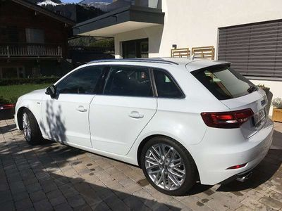 gebraucht Audi A3 Sportback TFSI quattro 190 PS Limousine