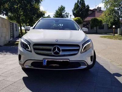 gebraucht Mercedes GLA180 SUV / Geländewagen