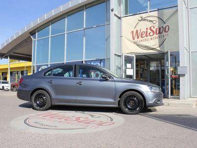 gebraucht VW Jetta Highline 1,6 TDI BMT DPF DSG