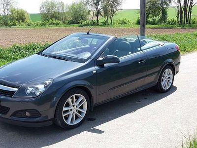 gebraucht Opel Astra Cabriolet TwinTop 1,9 CDTI (110kW) / Roadster