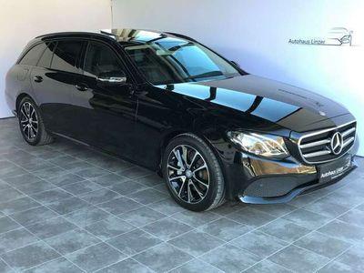 gebraucht Mercedes E220 T Avantgarde Aut.*COMAND*Kamera360°*AHK*