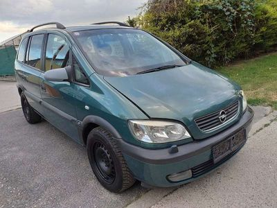 usado Opel Zafira 2.2 DTI Kombi / Family Van,