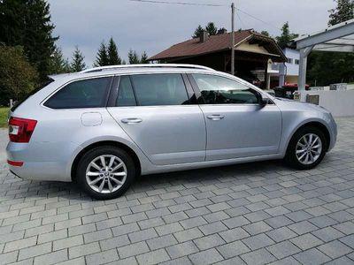 gebraucht Skoda Octavia Combi 2,0 TDI Style Kombi / Family Van