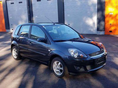 gebraucht Ford Fiesta Fifty Edition 1,3 51kw 69Ps Klein-/ Kompaktwagen