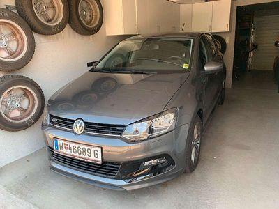 gebraucht VW Polo Sport Austria 1,0 RLine Garantie bis 03/2022 Klein-/ Kompaktwagen