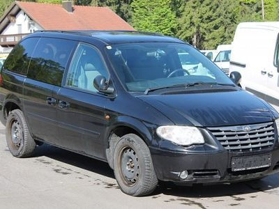 gebraucht Chrysler Voyager 2,5 Executive CRD Ds. Kombi / Family Van,