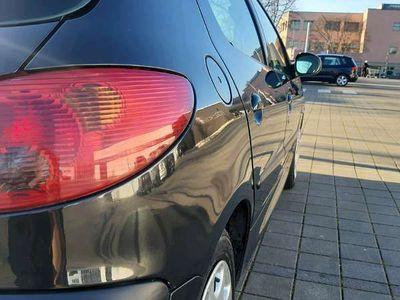 gebraucht Peugeot 206 pickerl.01.2020+4 Monat Klein-/ Kompaktwagen