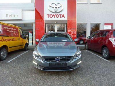 used Volvo V60 D3 Geartronic *XENON*NAVI*SHZ* Kombi / Family Van,