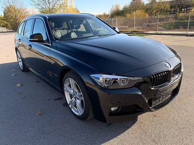 gebraucht BMW 318 3er-Reihe i Touring M Sport Navi+, AHK, LED, Hifi, -44% vom NP Kombi / Family Van