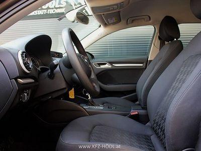 gebraucht Audi A3 Sportback 1,8 TFSI Attraction S-tronic Limousine,