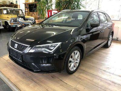 gebraucht Seat Leon ST Style 1,6 TDI DSG Start-Stopp // NAVI // TOP // Kombi / Family Van