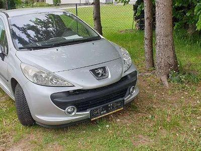 gebraucht Peugeot 207 Active 1,4 16V Limousine