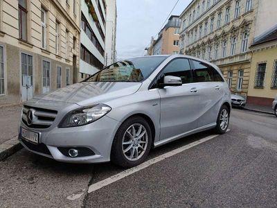 gebraucht Mercedes B200 B-KlasseBlue Efficiency 7G Tronik Kombi / Family Van