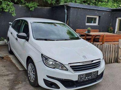 gebraucht Peugeot 308 1,6 BlueHDI Kombi / Family Van